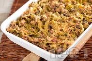 Вкусна паста талятели (или спагети) с пиле, сметана, шунка, сирене пармезан и гъби на фурна